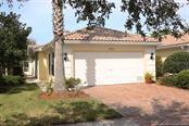 7694 Camminare Dr #3b, Sarasota, FL 34238