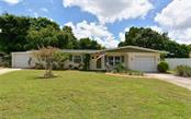 2705 Oxford Dr W, Bradenton, FL 34205