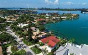 Single Family Home for sale at 220 Bird Key Dr, Sarasota, FL 34236 - MLS Number is A4405284