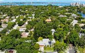Single Family Home for sale at 934 Yale Ave, Sarasota, FL 34236 - MLS Number is A4405930