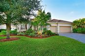 Single Family Home for sale at 7609 Heritage Grand Pl, Bradenton, FL 34212 - MLS Number is A4414411