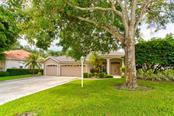 Single Family Home for sale at 4912 Old Oakleaf Dr, Sarasota, FL 34233 - MLS Number is A4443076