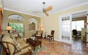Single Family Home for sale at 5050 Hanging Moss Ln, Sarasota, FL 34238 - MLS Number is A4480271
