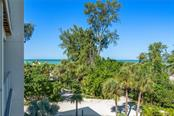 Single Family Home for sale at 6 Sandy Hook Rd, Sarasota, FL 34242 - MLS Number is A4482305