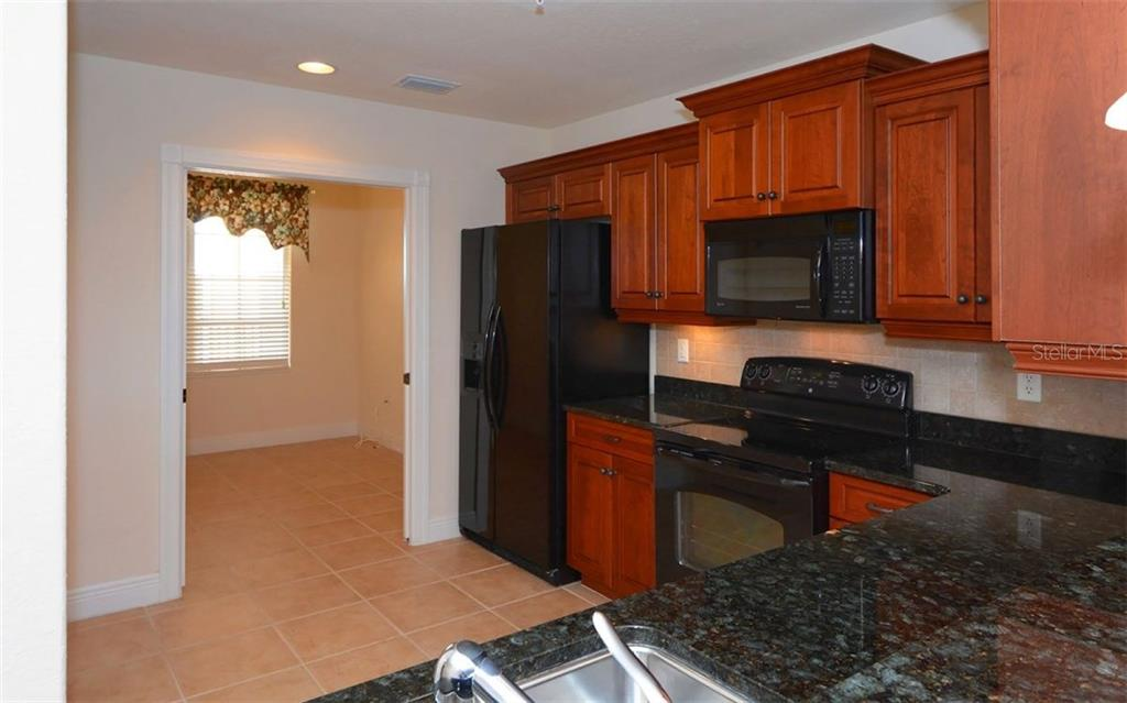 Kitchen - Condo for sale at 167 Tampa Ave E #513, Venice, FL 34285 - MLS Number is N5911190
