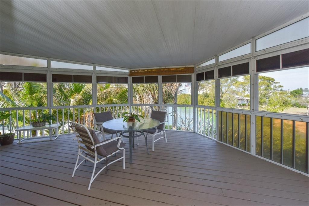 Deck - Single Family Home for sale at 725 El Dorado Dr, Venice, FL 34285 - MLS Number is N5911780