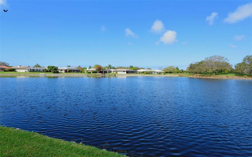 View - Single Family Home for sale at 1933 Innisbrook Ct, Venice, FL 34293 - MLS Number is N5912040
