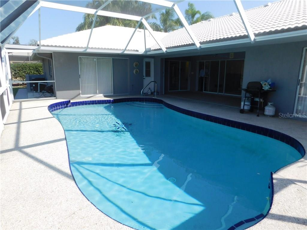 Lanai with Pool - Single Family Home for sale at 523 Warwick Dr, Venice, FL 34293 - MLS Number is N5912085