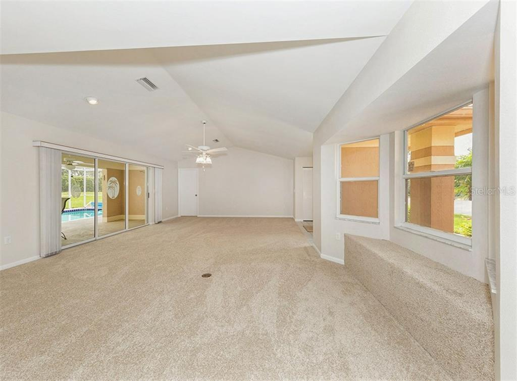 Living Area - Single Family Home for sale at 3160 Willow Springs Cir, Venice, FL 34293 - MLS Number is N5912811