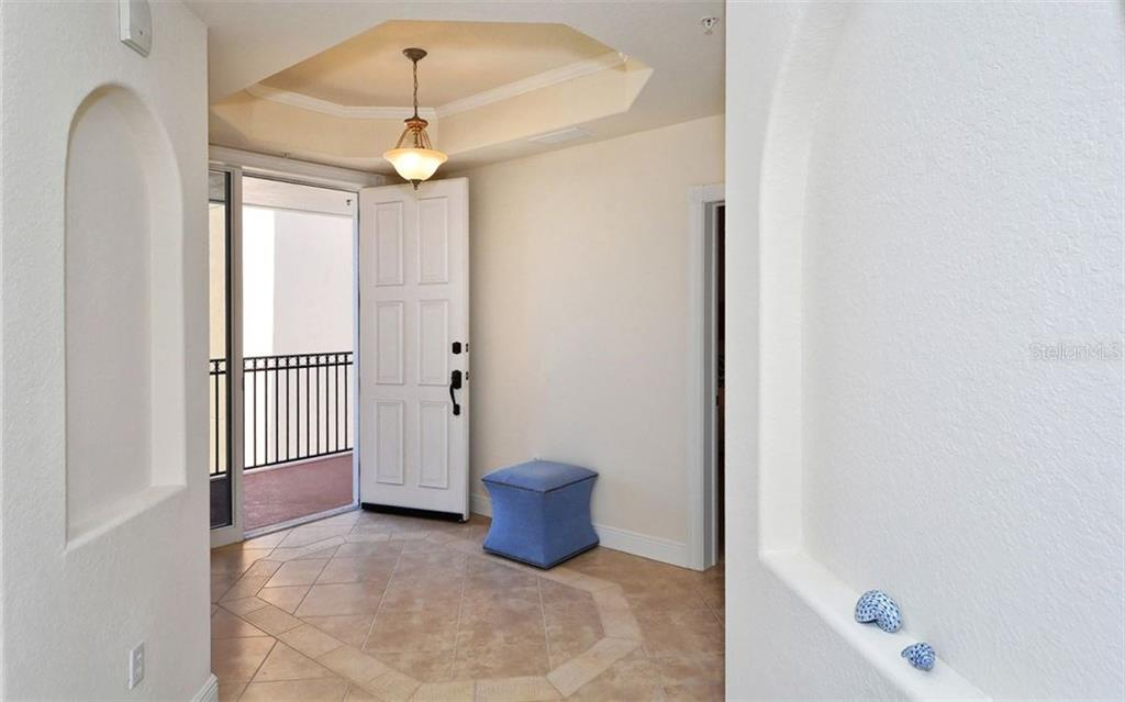 Foyer - Condo for sale at 157 Tampa Ave E #608, Venice, FL 34285 - MLS Number is N5912899