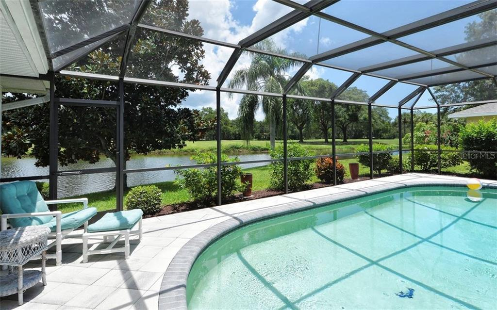 Heated Pool - Single Family Home for sale at 1930 Innisbrook Ct, Venice, FL 34293 - MLS Number is N5913572