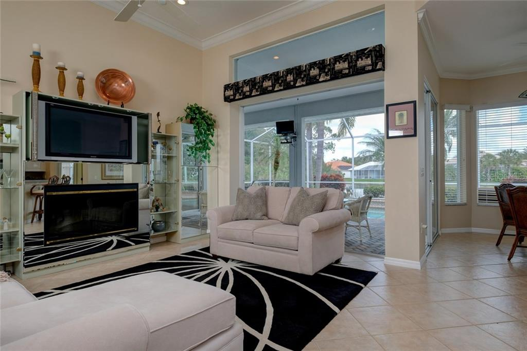 Single Family Home for sale at 614 Pond Willow Ln, Venice, FL 34292 - MLS Number is N5916519