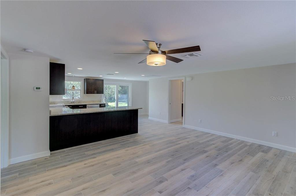 Single Family Home for sale at 224 Keystone Rd, Venice, FL 34292 - MLS Number is N5916606