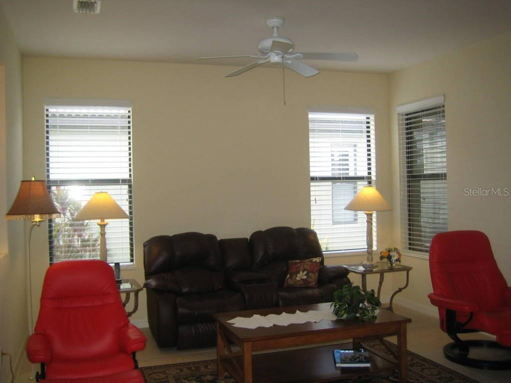 Lots of natural light, ceiling fan and tiling - Villa for sale at 1445 Maseno Dr, Venice, FL 34292 - MLS Number is N5916837