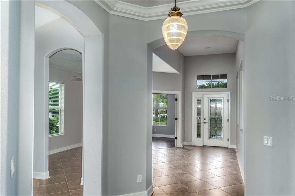 Beveled Glass Entry and Foyer - Single Family Home for sale at 2290 Terracina Dr, Venice, FL 34292 - MLS Number is N6101301