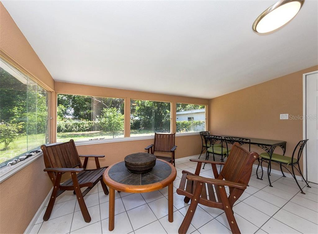 Florida room - Single Family Home for sale at 717 Guild Dr, Venice, FL 34285 - MLS Number is N6103134