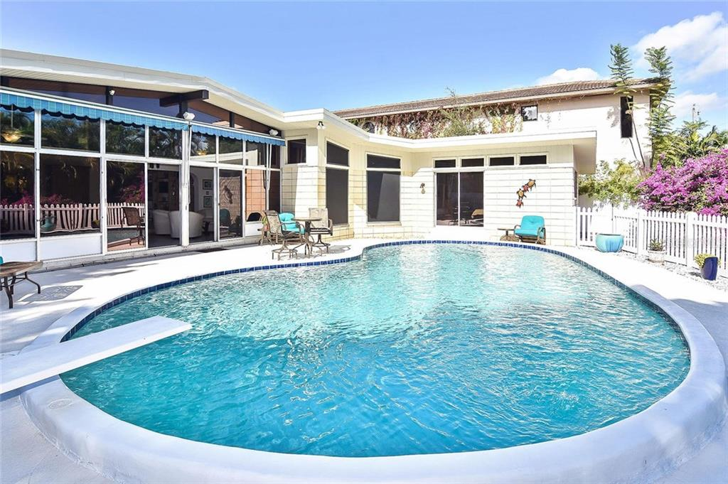 Pool - Single Family Home for sale at 308 Bayshore Dr, Venice, FL 34285 - MLS Number is N6103319
