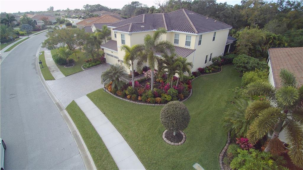 Single Family Home for sale at 5670 Rock Dove Dr, Sarasota, FL 34241 - MLS Number is N6103596