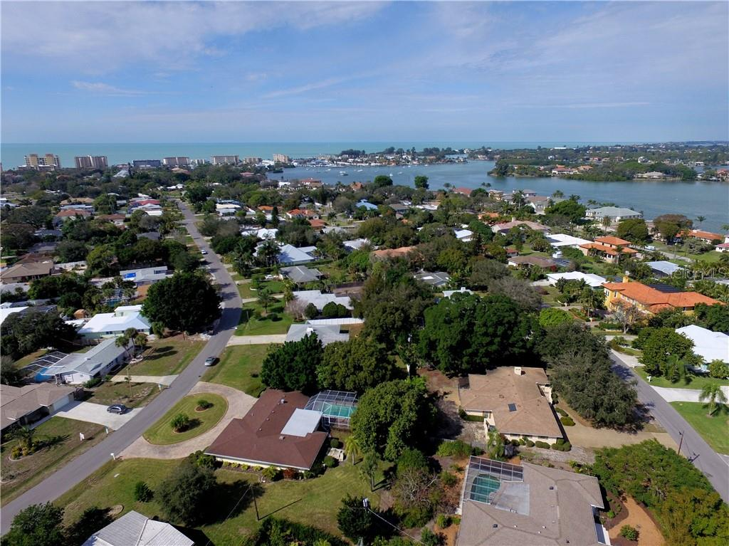 Aerial - Single Family Home for sale at 400 Park Lane Dr, Venice, FL 34285 - MLS Number is N6103786