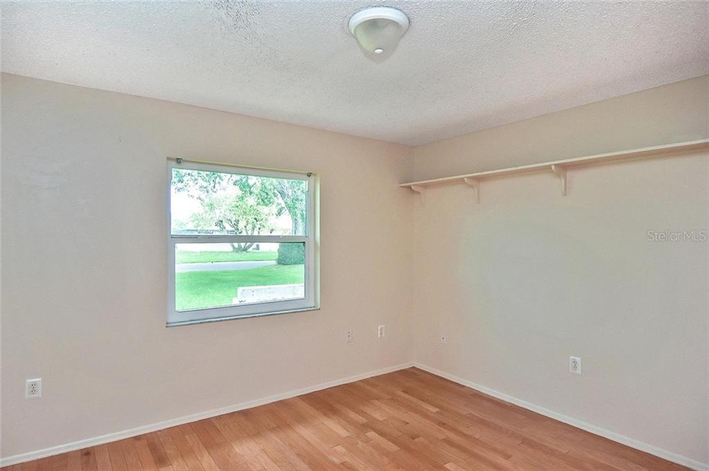 Bedroom 2 - Single Family Home for sale at 1139 Ketch Ln, Venice, FL 34285 - MLS Number is N6105656