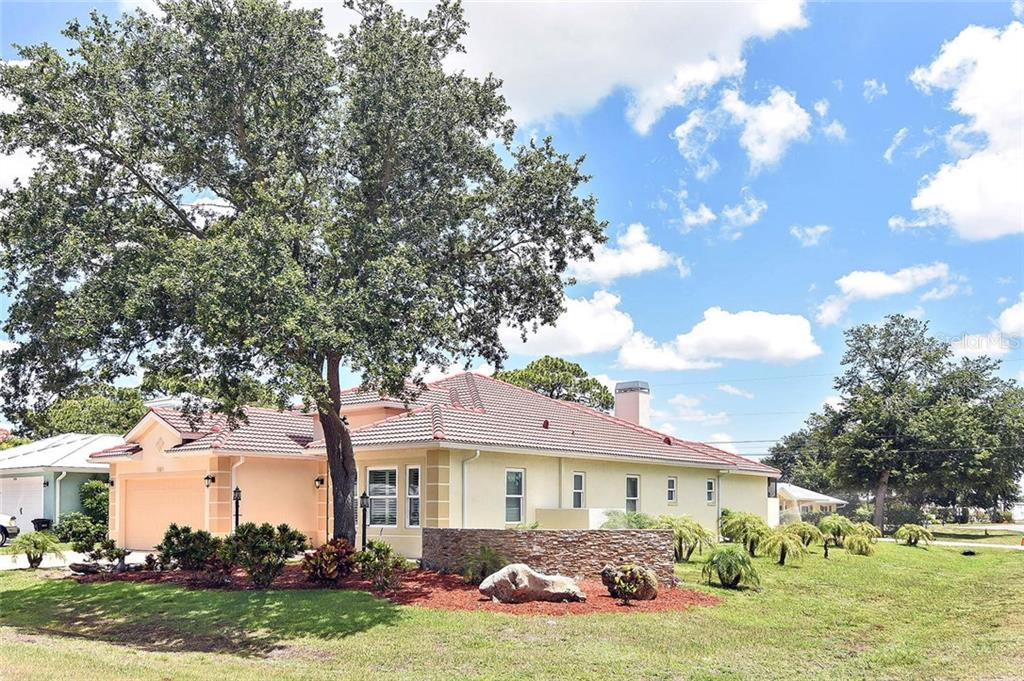 Exterior - Single Family Home for sale at 753 Guild Dr, Venice, FL 34285 - MLS Number is N6105757