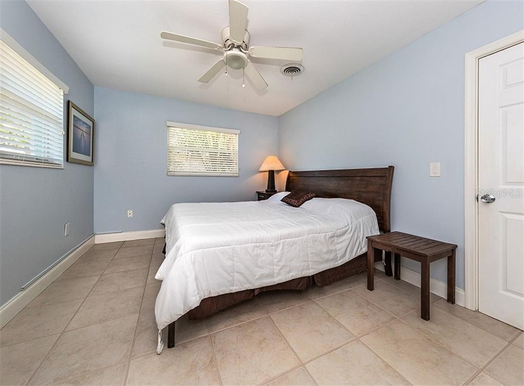 Bedroom 3 - Single Family Home for sale at 409 Darling Dr, Venice, FL 34285 - MLS Number is N6105760