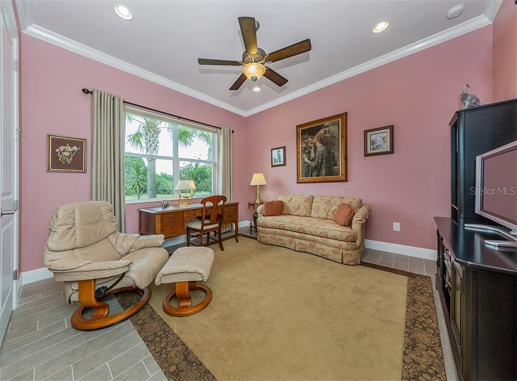 Bedroom 2 - Single Family Home for sale at 189 Portofino Dr, North Venice, FL 34275 - MLS Number is N6106071