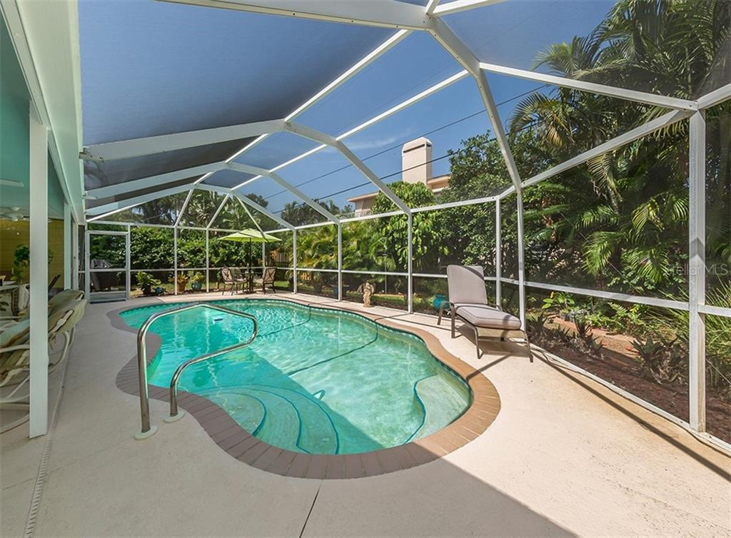 Pool - Single Family Home for sale at 429 Beach Park Blvd, Venice, FL 34285 - MLS Number is N6106119