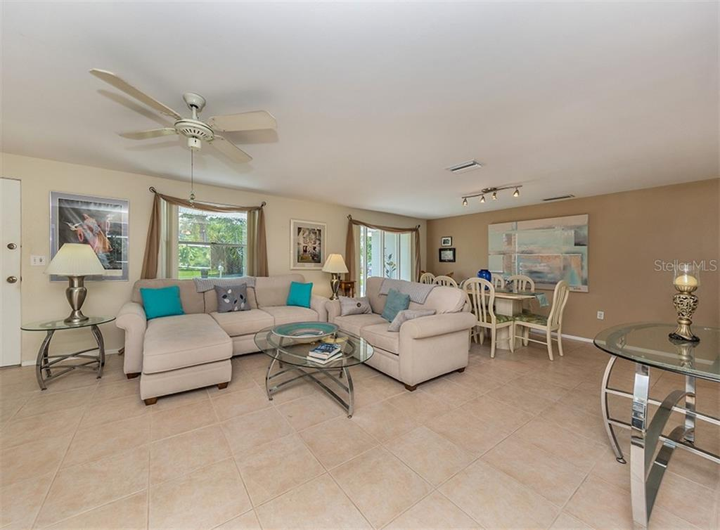 Great room - Single Family Home for sale at 429 Beach Park Blvd, Venice, FL 34285 - MLS Number is N6106119