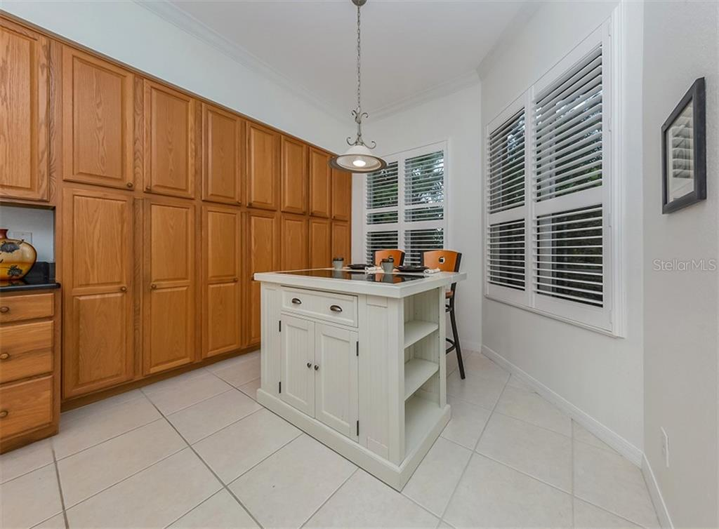 New Attachment - Condo for sale at 806 Ravinia Cir #806, Venice, FL 34292 - MLS Number is N6106331