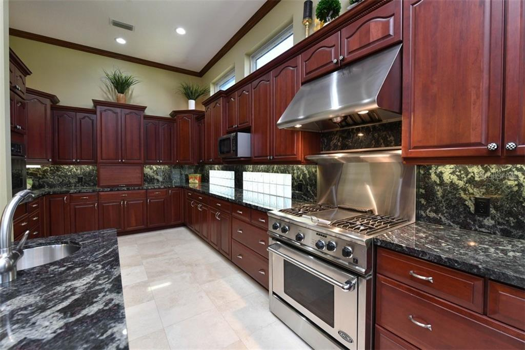 Kitchen - Single Family Home for sale at 854 Macewen Dr, Osprey, FL 34229 - MLS Number is N6106697