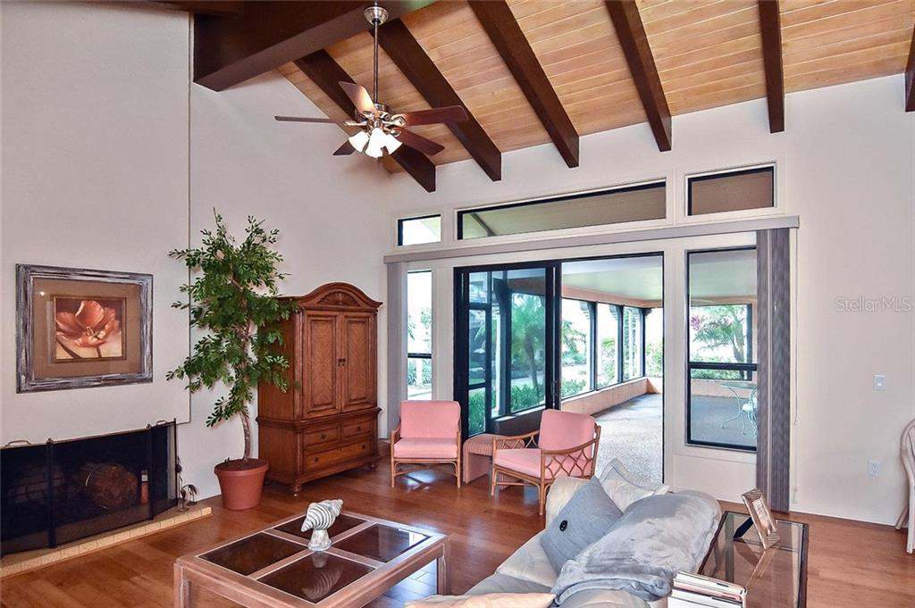 Great room with sliders to lanai - Condo for sale at 718 Golden Beach Blvd #3, Venice, FL 34285 - MLS Number is N6107011