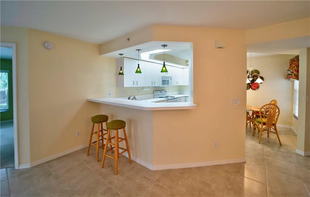 Breakfast Bar - Condo for sale at 815 Montrose Dr #101, Venice, FL 34293 - MLS Number is N6107969