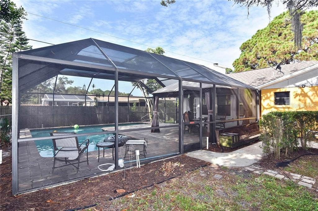 Screened in pool area - Single Family Home for sale at 615 Lehigh Rd, Venice, FL 34293 - MLS Number is N6108175