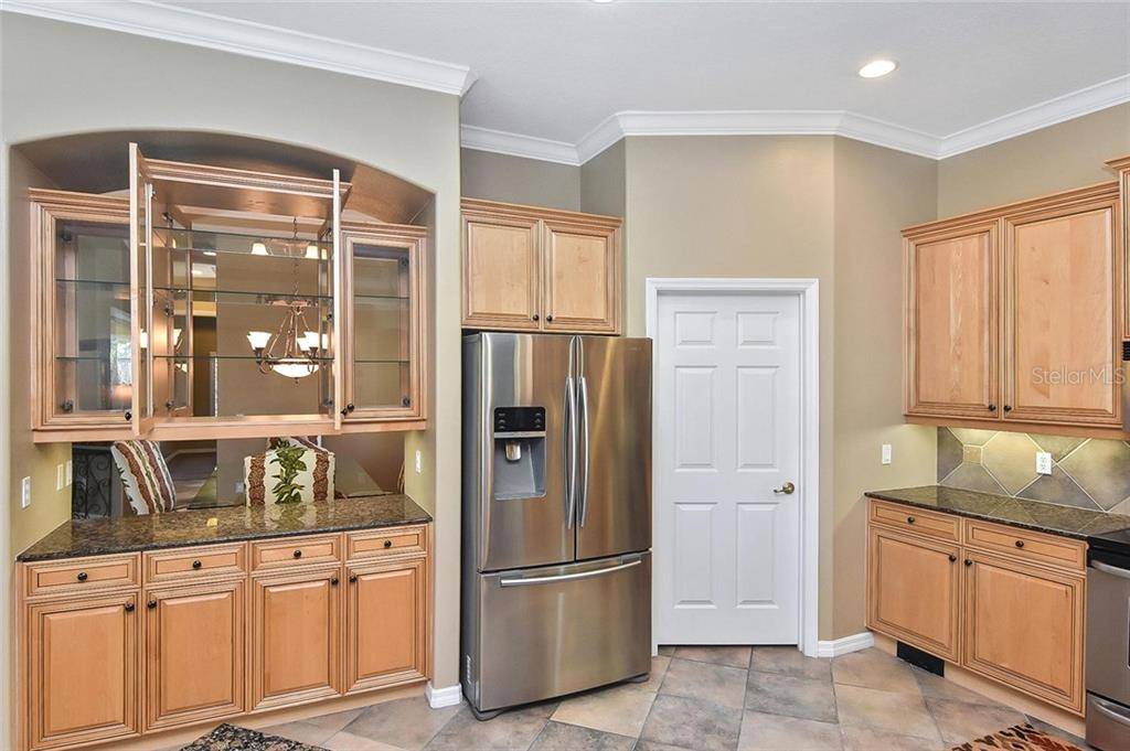 Kitchen - Single Family Home for sale at 321 Dulmer Dr, Nokomis, FL 34275 - MLS Number is N6108685