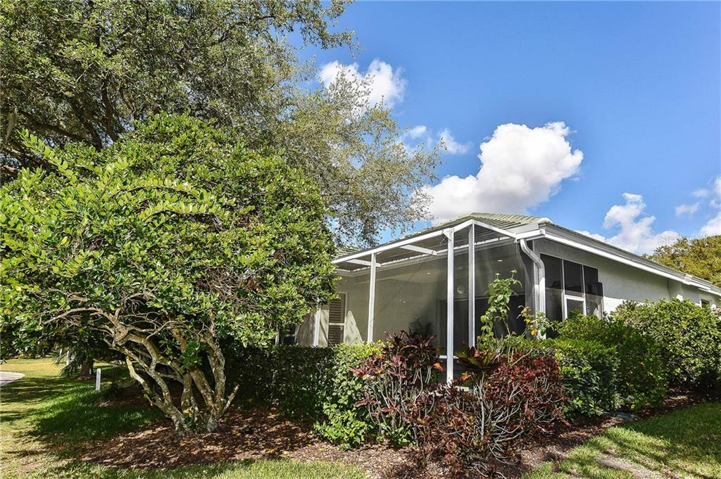 Back view of home - Single Family Home for sale at 323 Lansbrook Dr, Venice, FL 34292 - MLS Number is N6109725