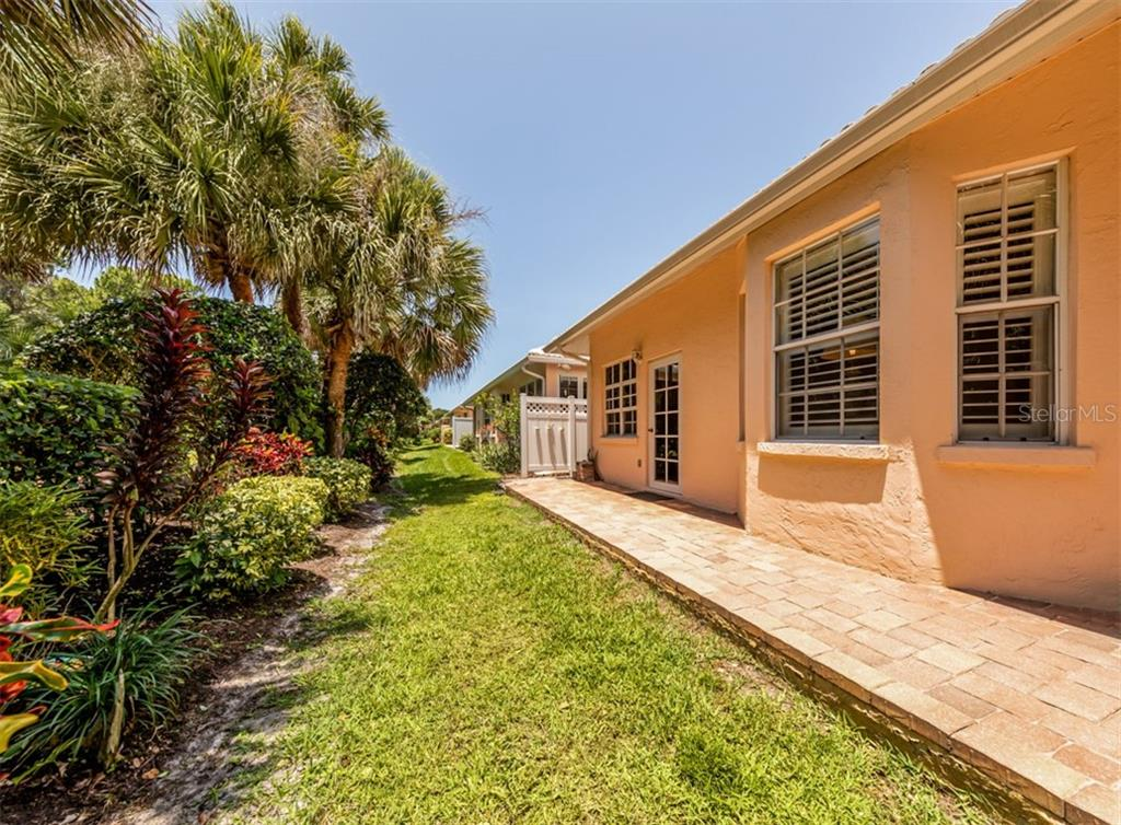 Villa for sale at 1244 Berkshire Cir, Venice, FL 34292 - MLS Number is N6110278