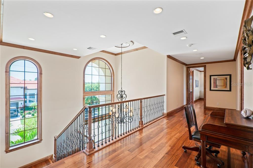 Very Spacious 2nd Floor Hallway leading to 4 more Master Suites. Bonus area for desks/table games  etc. - Single Family Home for sale at 510 Bowsprit Ln, Longboat Key, FL 34228 - MLS Number is N6110334