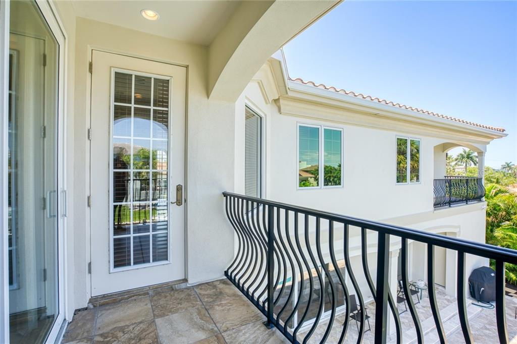 lovely Balconies - Single Family Home for sale at 510 Bowsprit Ln, Longboat Key, FL 34228 - MLS Number is N6110334