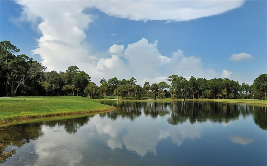 Looking towards the 27th hole - Single Family Home for sale at 953 Chickadee Dr, Venice, FL 34285 - MLS Number is N6111180