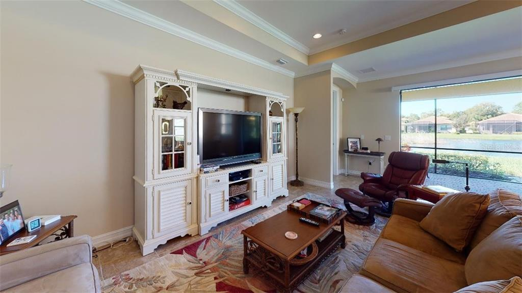 LIVING ROOM - Single Family Home for sale at 1051 Bradberry Dr, Nokomis, FL 34275 - MLS Number is N6112687