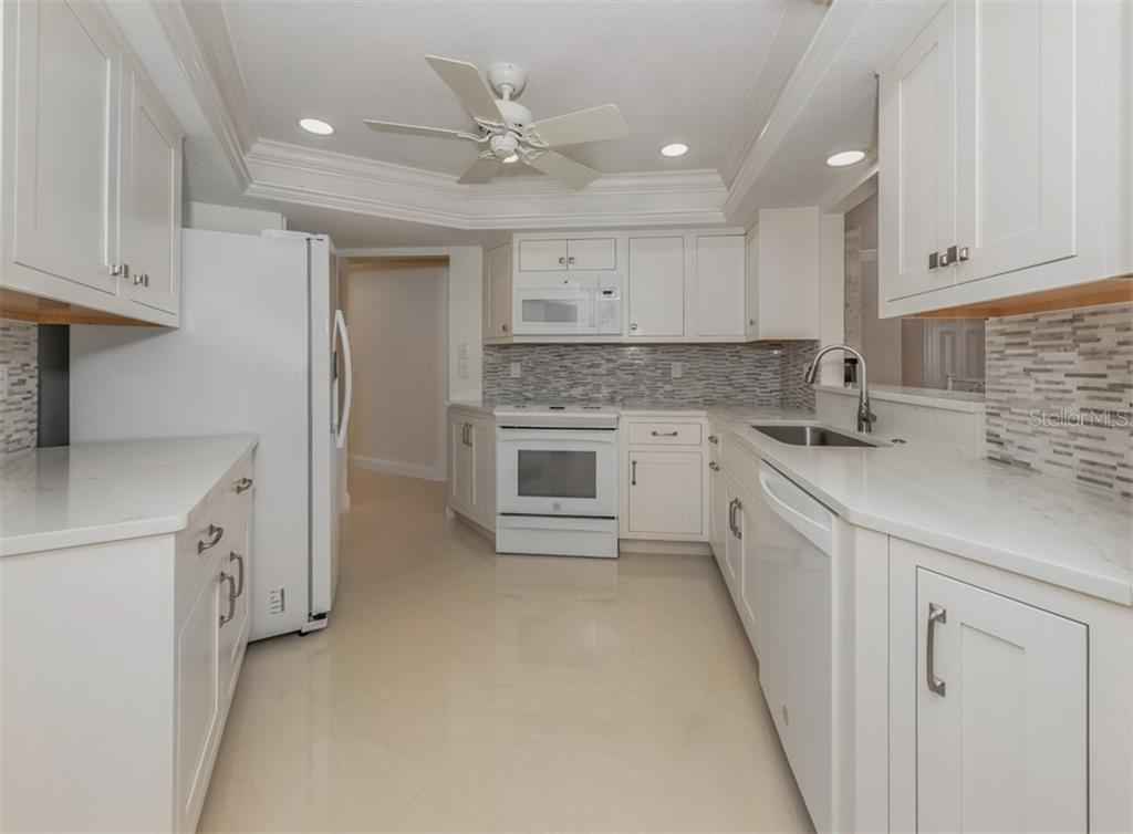 Kitchen - Single Family Home for sale at 1321 Guilford Dr, Venice, FL 34292 - MLS Number is N6113272