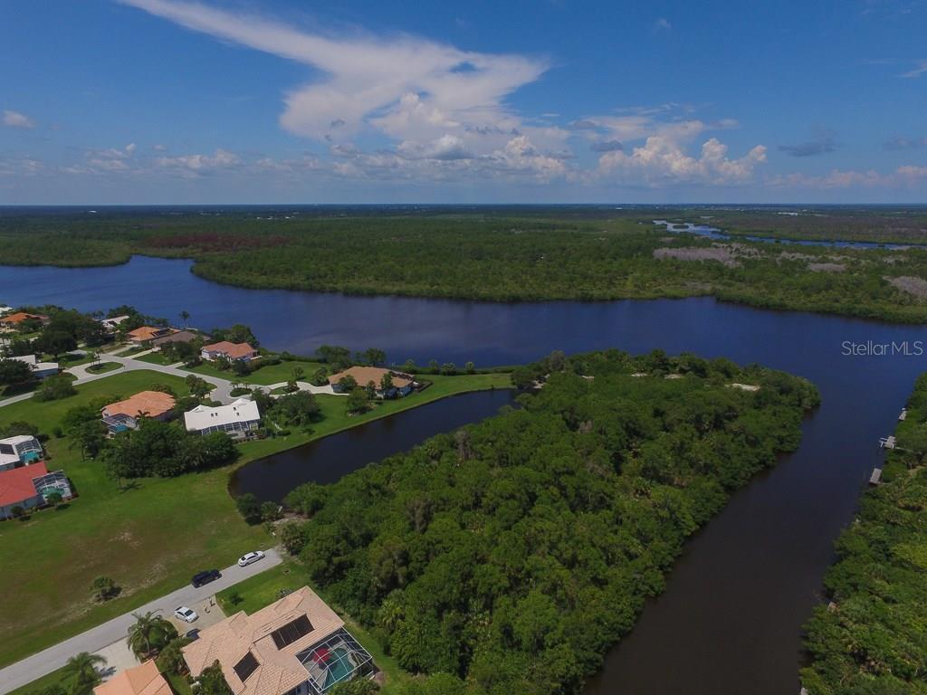 Additional photo for property listing at 4700 Arlington Dr  Placida, Florida,33946 United States