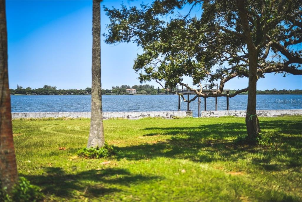 Additional photo for property listing at 50 W Bay St 50 W Bay St Osprey, Florida,34229 Verenigde Staten