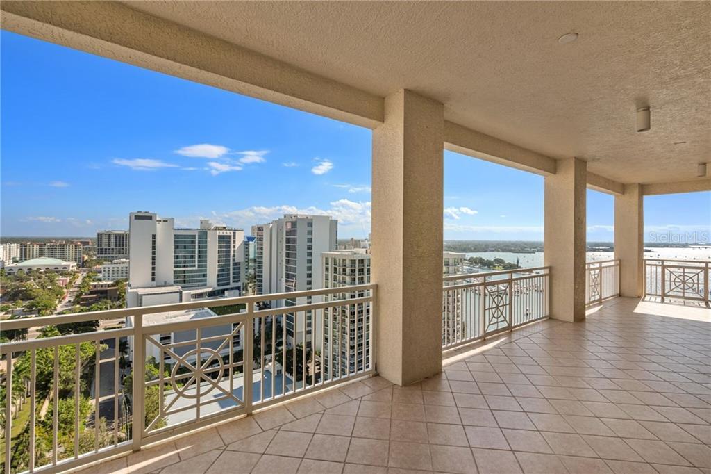 Additional photo for property listing at 35 Watergate Dr #1804 35 Watergate Dr #1804 Sarasota, Florida,34236 Stati Uniti