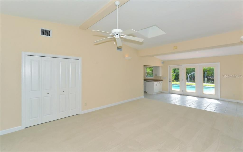 Single Family Home for sale at 624 Marbury Ln, Longboat Key, FL 34228 - MLS Number is A4192530
