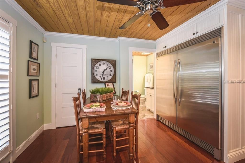 Fridge big enough? - Single Family Home for sale at 306 Gulf Blvd, Anna Maria, FL 34216 - MLS Number is A4206962