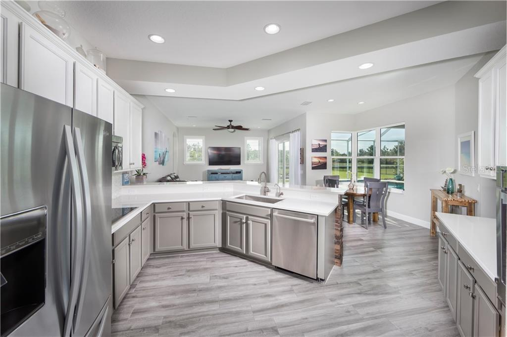 Single Family Home for sale at 8234 Snowy Egret Pl, Lakewood Ranch, FL 34202 - MLS Number is A4429803