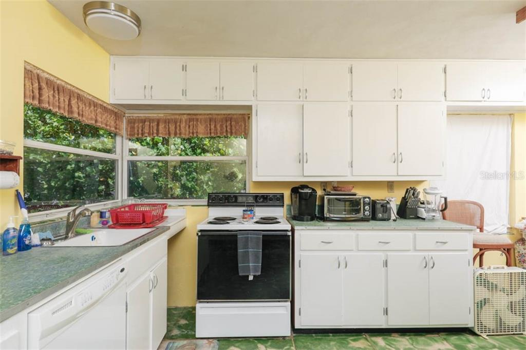 Kitchen - Single Family Home for sale at 755 N Shore Dr, Anna Maria, FL 34216 - MLS Number is A4436711