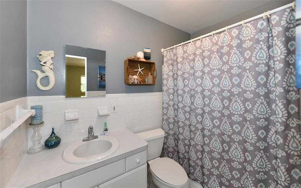 Master bath - Single Family Home for sale at 120 23rd Street Ct Ne, Bradenton, FL 34208 - MLS Number is A4438232